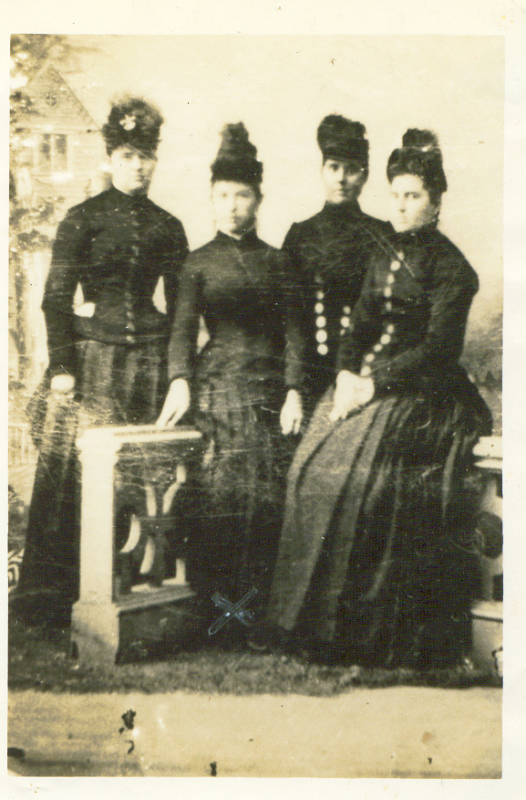 Mary Elizabeth Bingen Tice (2nd from left)