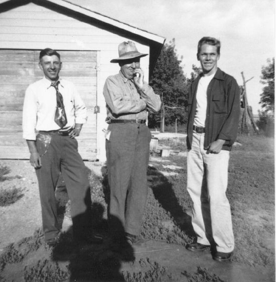 Francis Bingen (center) in 1952